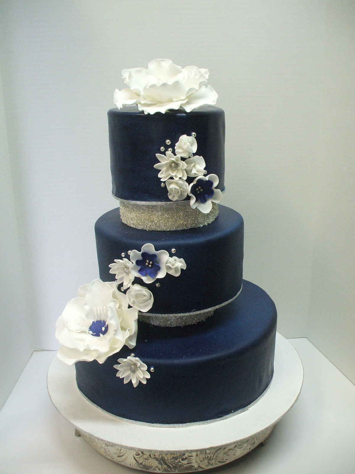 wedding cake navy blue and white that s a cake 23304