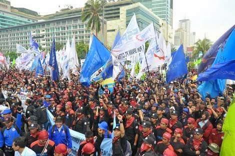Aksi Ribuan Buruh Memanas, Ahok Disebut Lebih Baik daripada Anies
