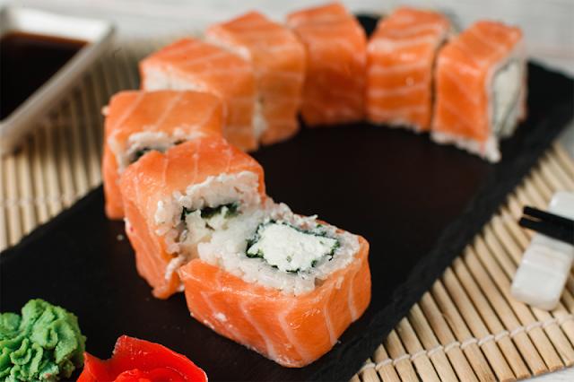 طريقة عمل السوشي بالمنزل وتمتعي بالمذاق الياباني في أطباقك