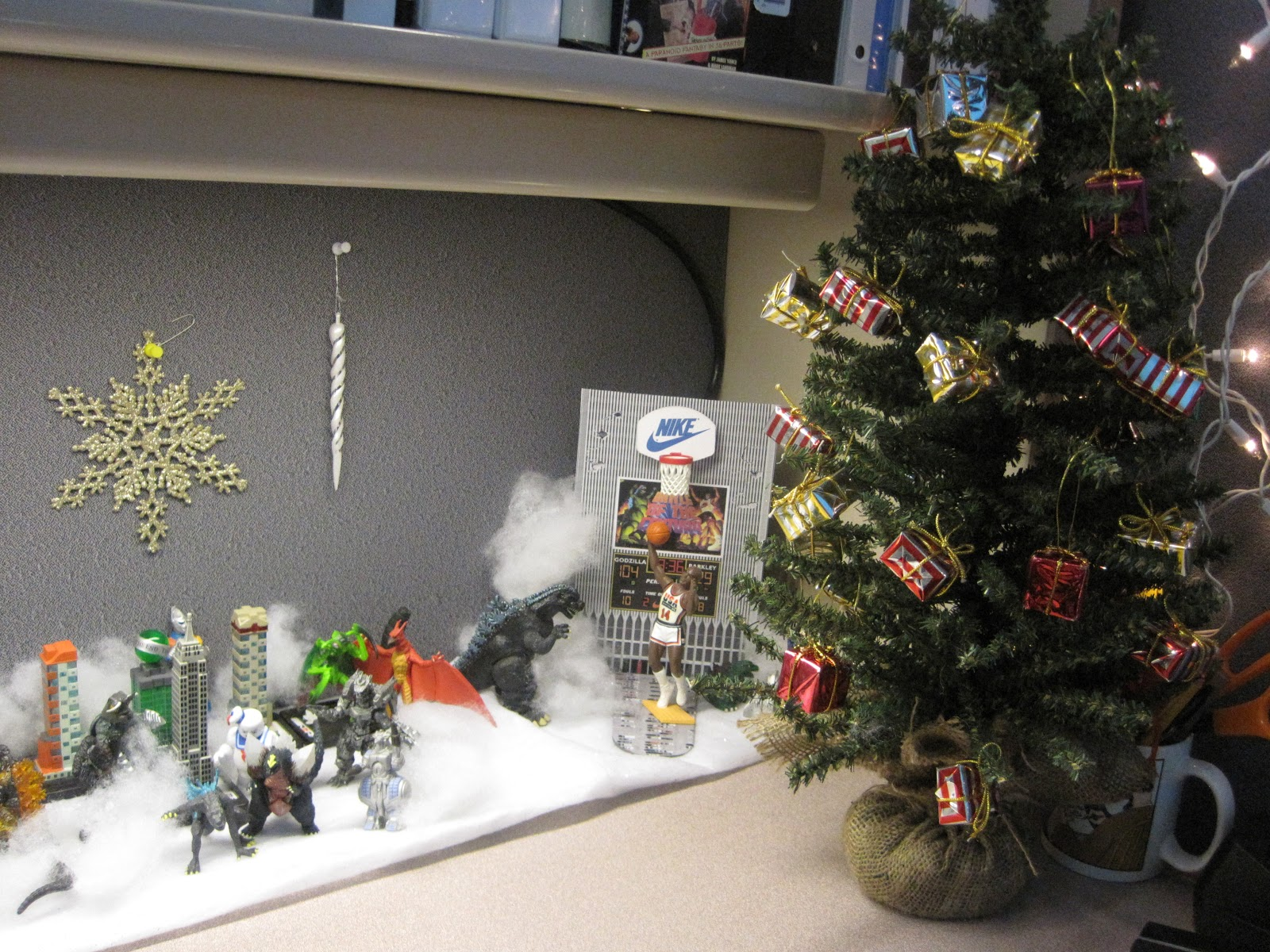 Mechagodzilla Jr Christmas On Monster Island