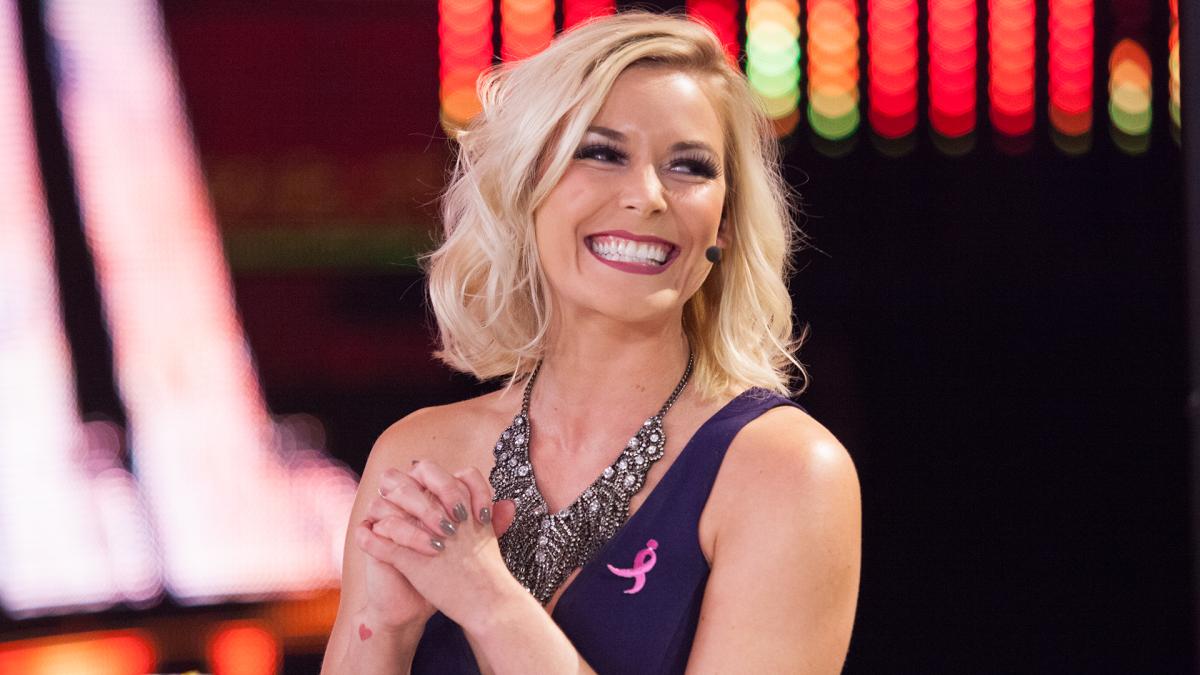 Renee Paquette também recebeu seus pertences em um saco de lixo ao sair da WWE