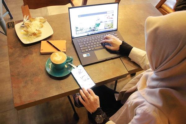 laptop bisnis tipis