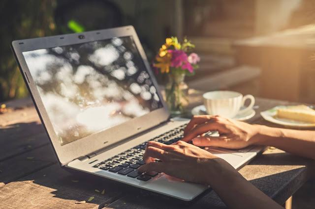Mengekspos Laptop Pada Suhu Panas - Kebiasaan Sehari-Hari Yang Merusak Laptop