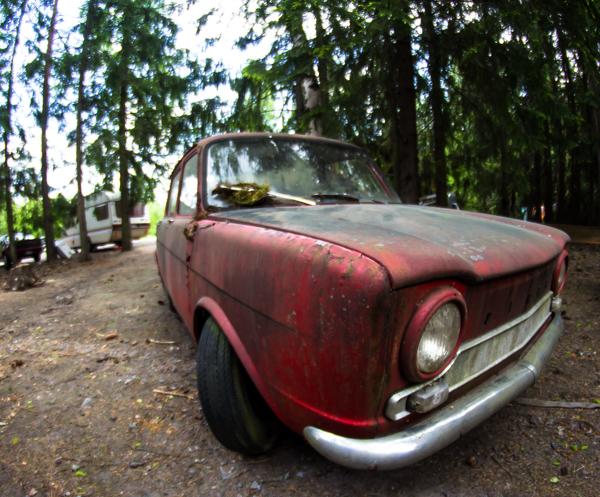 PauMau blogi nelkytplusbloggari nelkytplus kesäkuu pieni lintu haaste haasteblogi auto simca 1964 projektiauto old car vintage