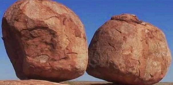 Tempat Wisata Batu Setan Ada di Australia