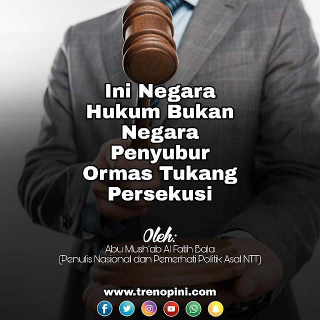 Jika ada oknum-oknum yang terus main hakim sendiri (persekusi), ini akibat penerapan sistem sekuler yang telah memupuk sikap permisif terhadap persekusi dan menjauhkan Umat dari Islam