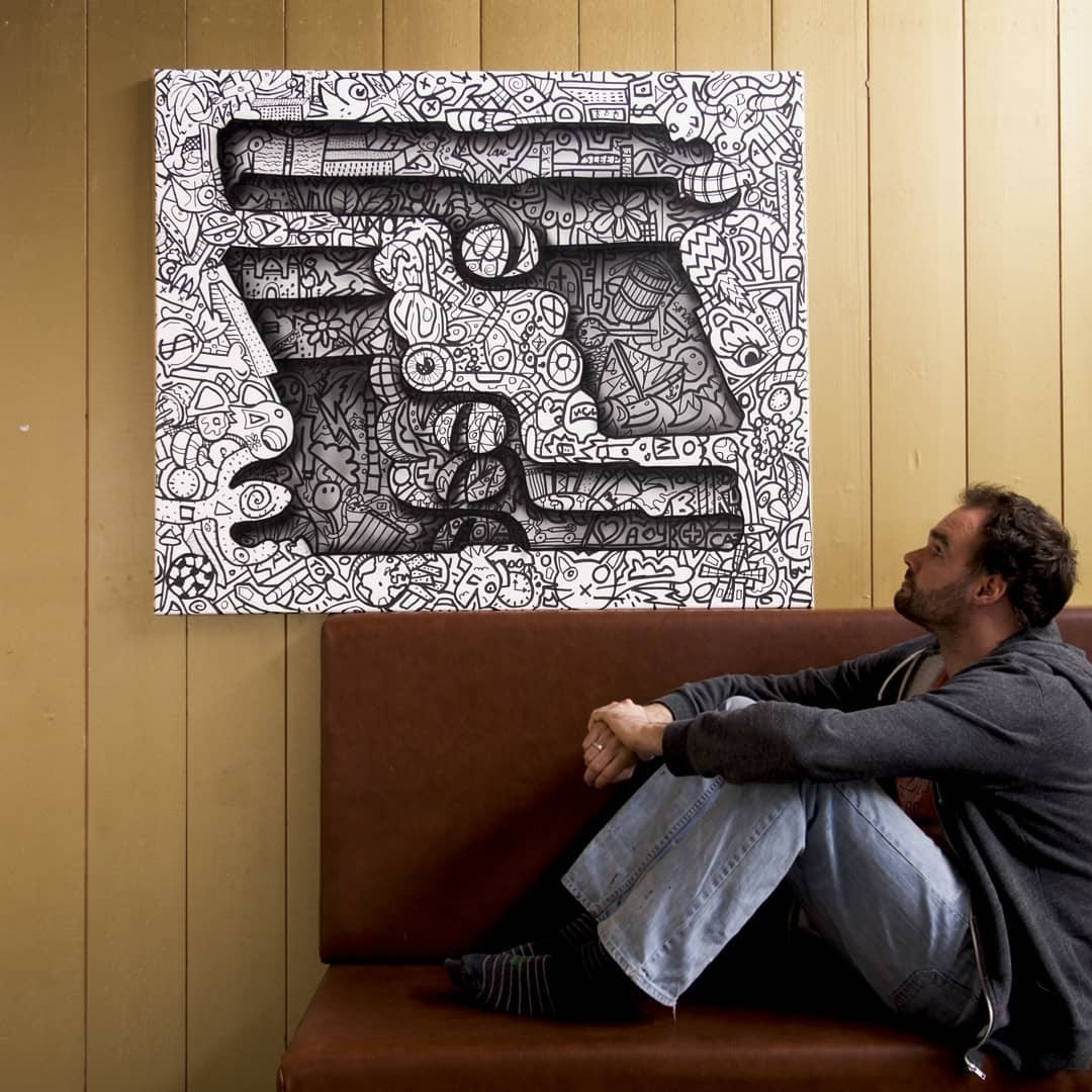 03-Pistol-Duel-at-Dawn-Ramon-Bruin-Optical-Illusions-in-3D-Drawings-www-designstack-co