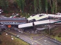 Amtrak Train Crash, 13 of 14 Fallen Wagon from Bridge