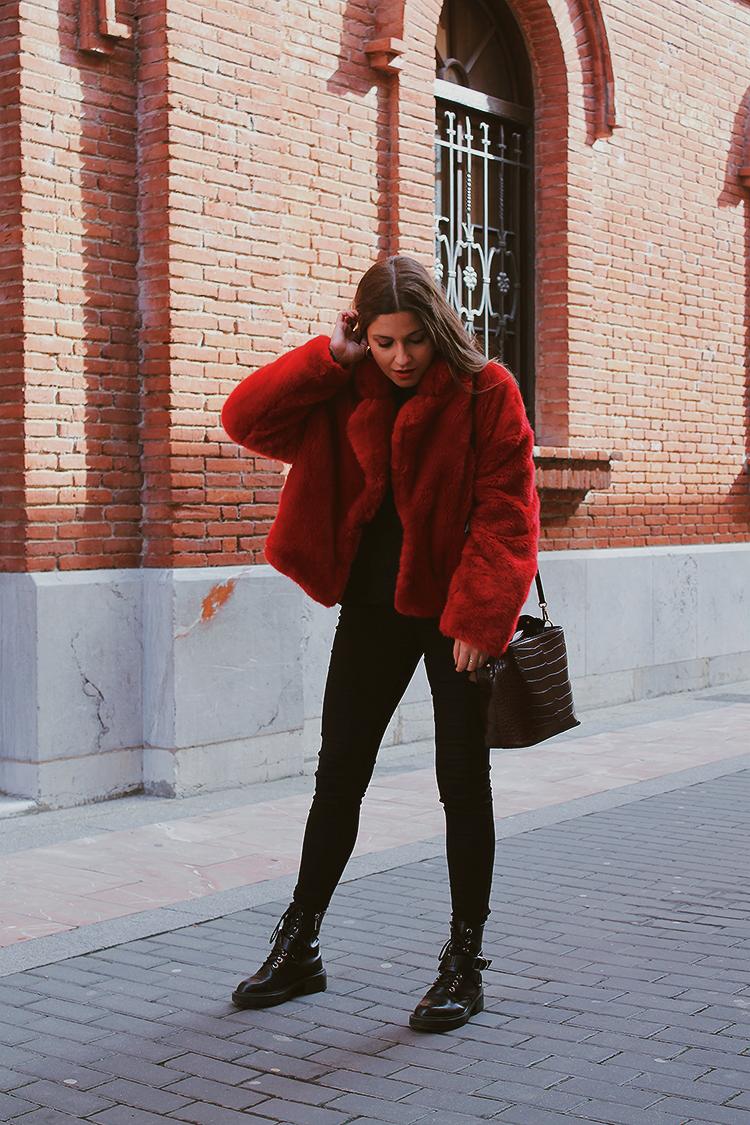 abrigo pelo rojo zara look