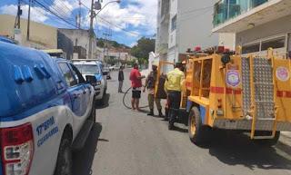 Casal e criança ficam feridos após carregador de celular explodir e casa pegar fogo, em Guanambi