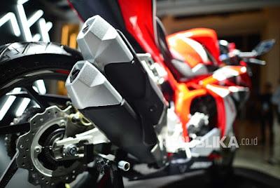 Kendaraan roda dua alias sepeda motor menjadi alat transportasi sebagian besar masyarakat  Daftar Harga Motor Sport Honda Terbaru