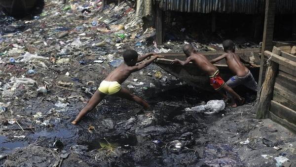'Hantu' Pengangguran dan Kemiskinan Bayangi Ekonomi RI