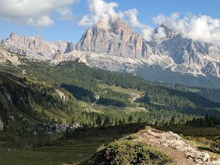 View north toward Tofana di Rozes.