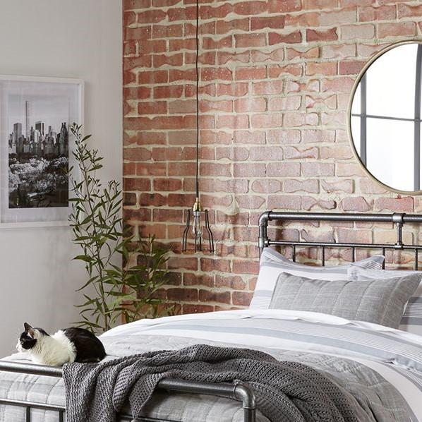 Wallpaper Dinding Kamar Tidur Romantis Motif Batu Alam