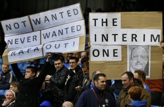 Anti-Rafa Benítez banners on display at Stamford Bridge
