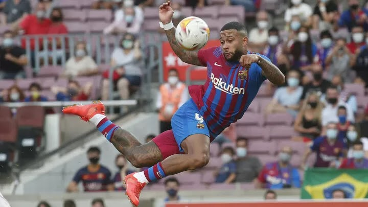 Is Memphis Depay helping Barcelona fans forget about Messi?