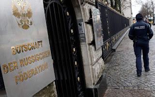 Κύμα απελάσεων Ρώσων από ΗΠΑ, Καναδά και 14 χώρες της ΕΕ