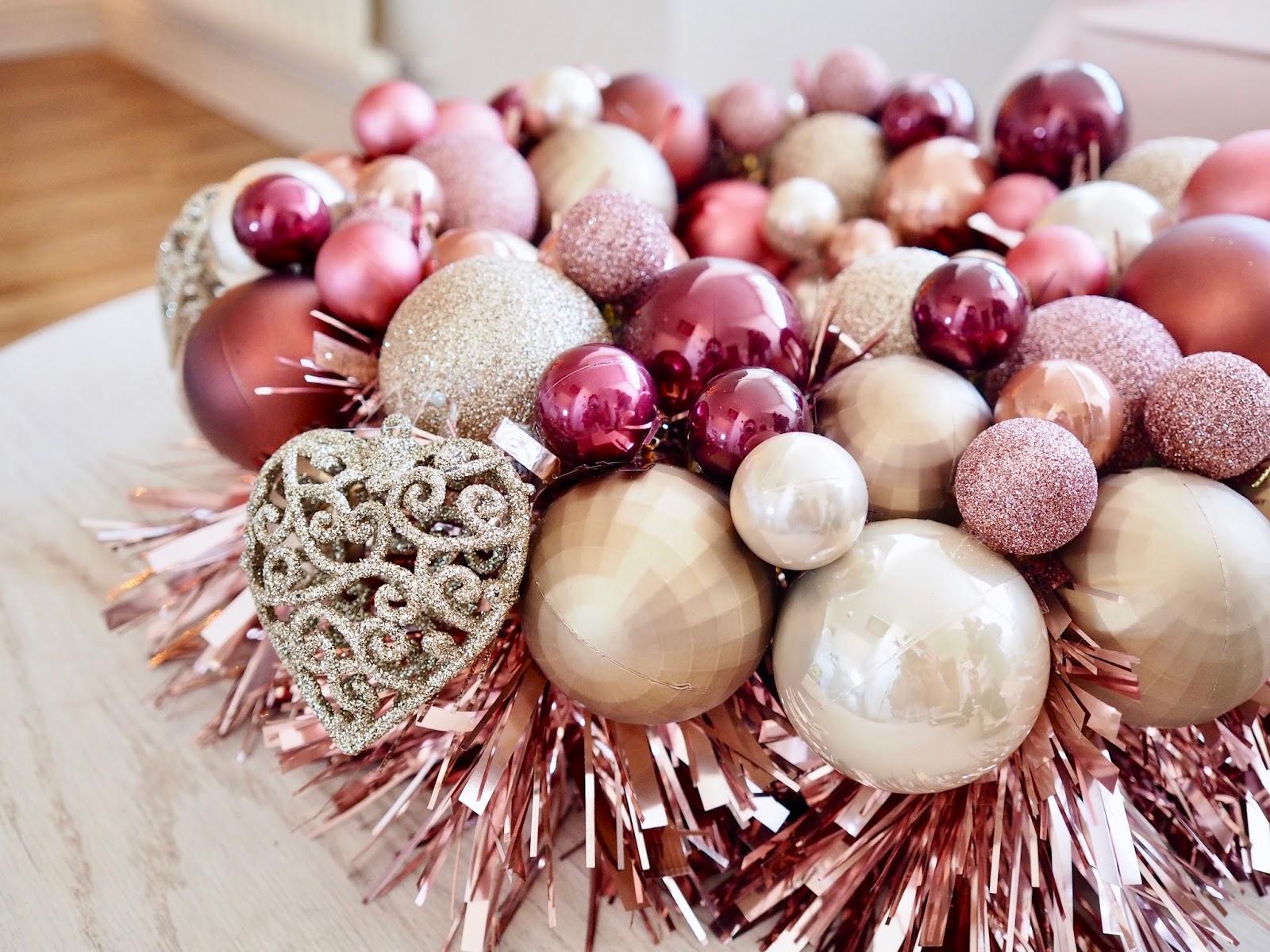 Alternatve Christmas Wreath DIY bauble wreath