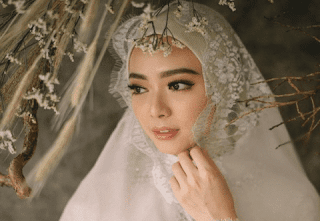 Termasuk Penyanyi Rossa, 5 Artis ini Pindah Agama di Tahun 2018