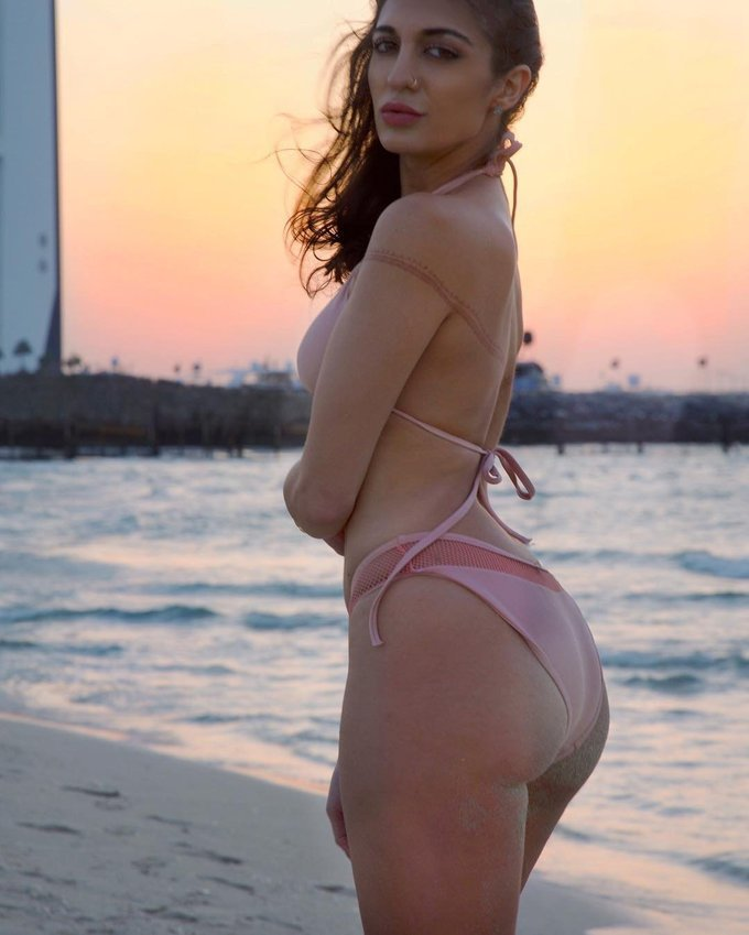 Bollywood Actress Avnee Mithaiwala Bold Photoshoot Gallery