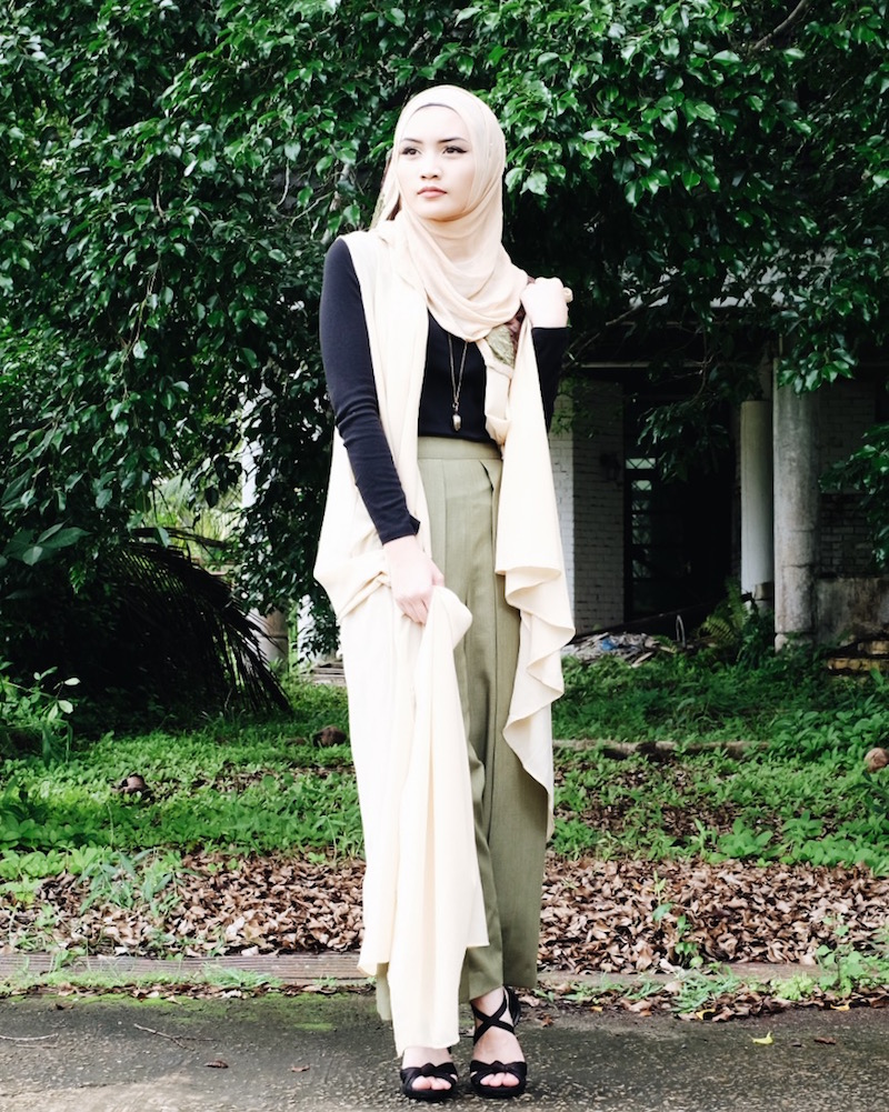 Bash Harry Bruneian Blogger wearing Azreenville and Ummi Najji from Damage Signatures