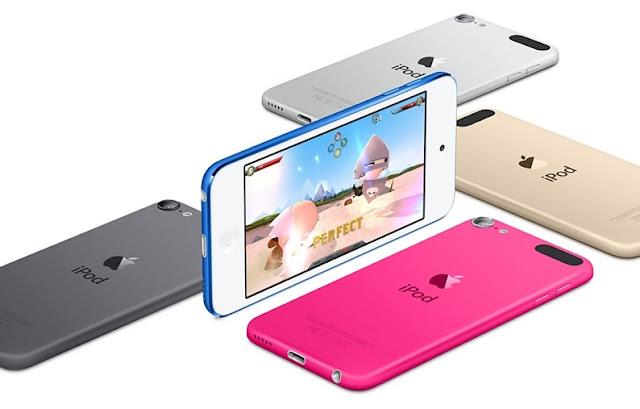 Em 23 de outubro de 2001, o co-fundador da Apple e ex-CEO Steve Jobs apresentou o iPod, nove meses depois que a Apple introduziu o seu software de música iTunes