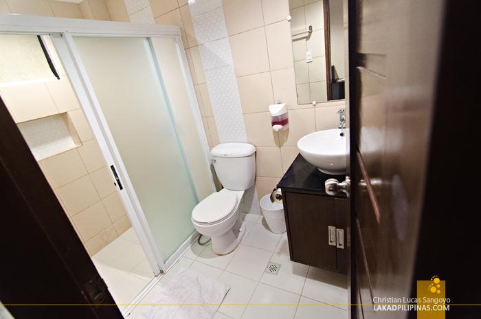 White House Boracay Deluxe Room Toilet