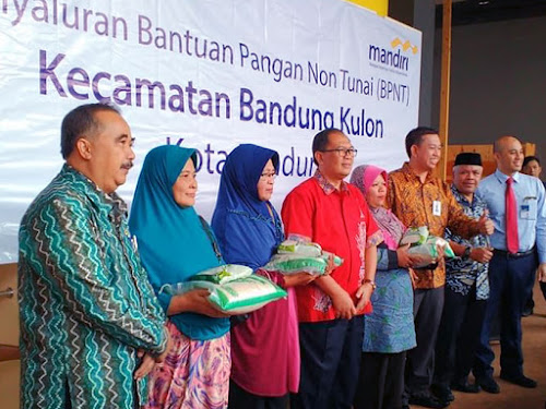 Pembagian BPNT di Kecamatan Bandung Kulon