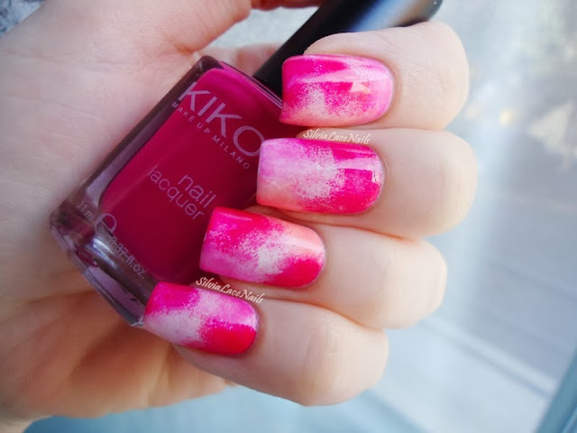 Silvia Lace Nails: Random Sponging Nail Art