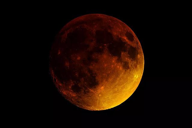 La superbe blue lune arrive - Encremag