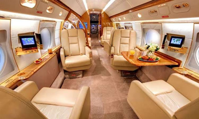 The-luxury-interiors-of-Lionel-Messi's-private-jet