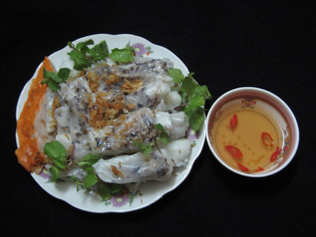Stuffed Roll (Banh Cuon)- Great Choice For Breakfast