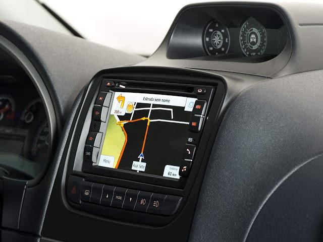Fiat Weekend Adventure - interior - central multimídia