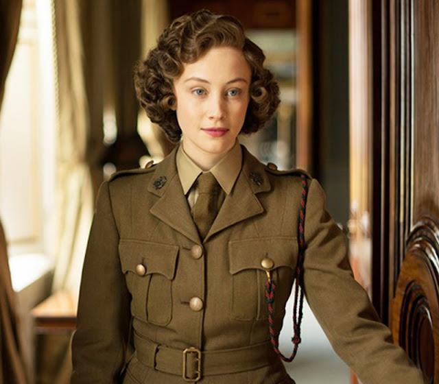 Sarah Gardon como Princesa Elizabeth