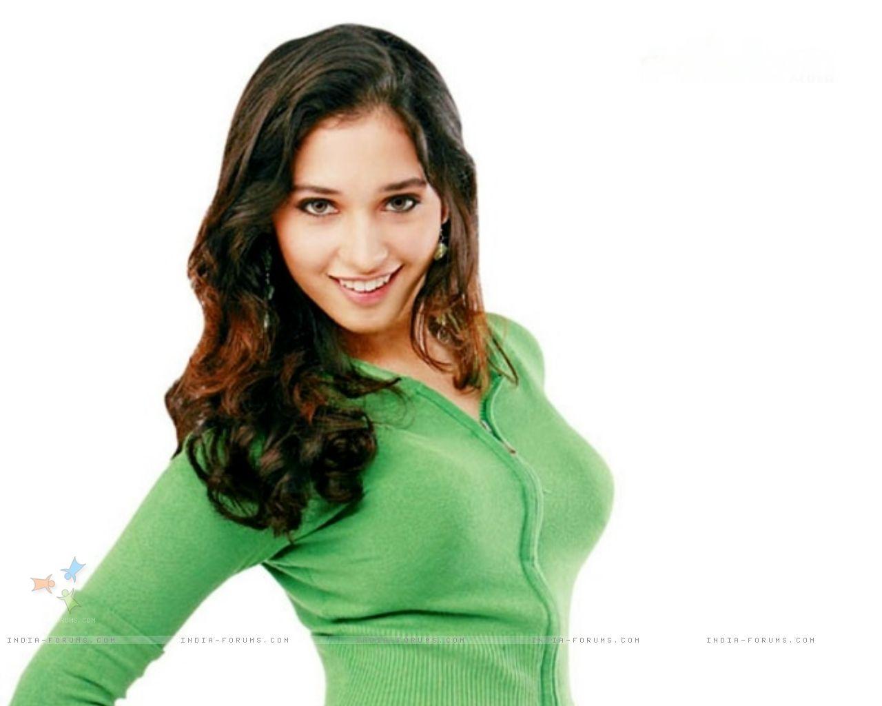Www Tamanna: South Indian Actress Tamanna Bhatia HD Hot Wellpapers