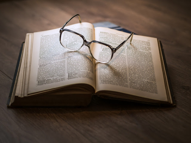reading glasses lines stories