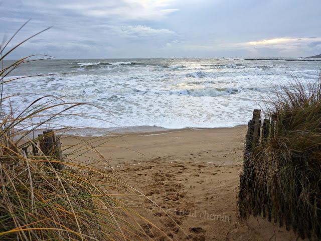 La jetée lors de la grande marée de février (St. Gilles Croix-de-Vie)