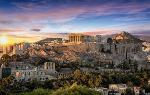 Η Ελλάδα όρθια