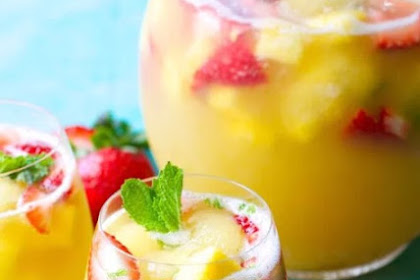 Pineapple Strawberry Punch