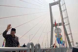Peresmian Jembatan Suramadu oleh Presiden SBY