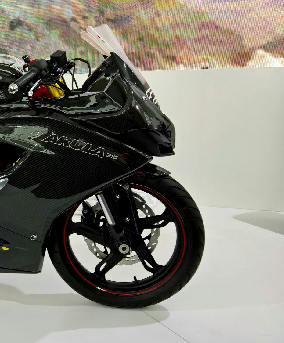 TVS Akula 310 (Apache 300) right side view