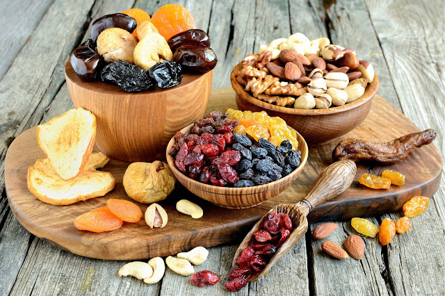 Weight loss: dry fruits help in weight loss.