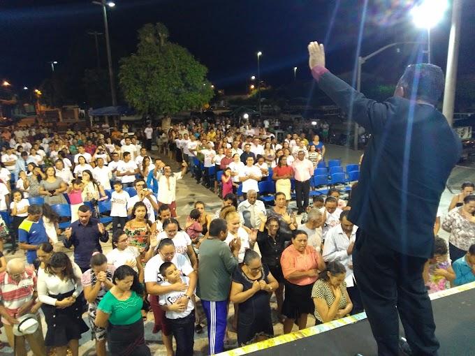 2º Dia: I Senador Sá para Cristo lota praça de eventos e leva emoção ao município. Confira!