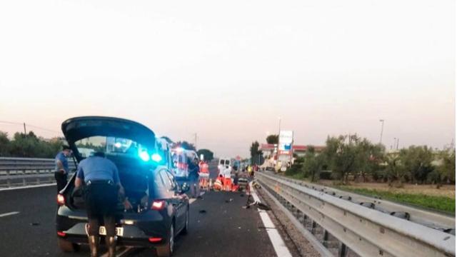Puglia: tre ragazzi investiti e uccisi mentre erano su una bici elettrica