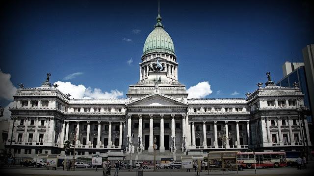 Avanza en el Congreso el proyecto de ley de Compre Argentino