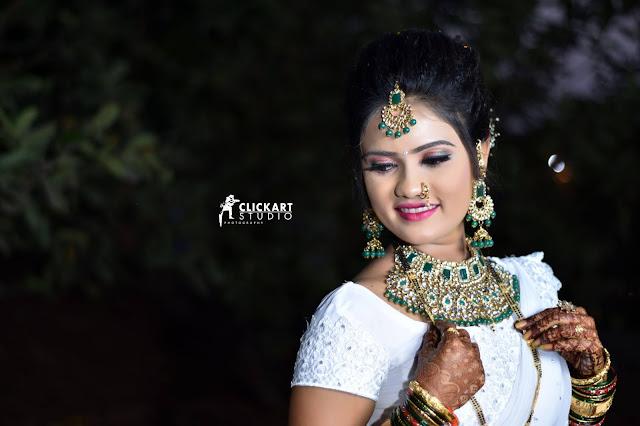 MAHARASHTRIAN BRIDE POSES