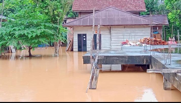 Pulau pandan kembali diterjang banjir, Kedalaman air mencapai 0,5 meter