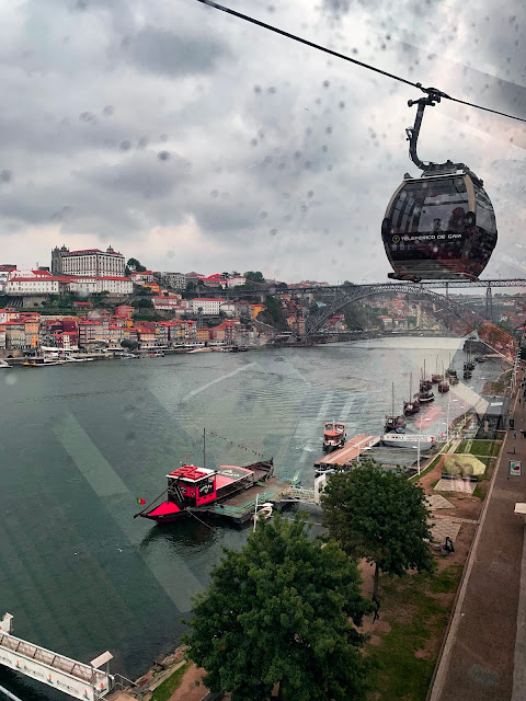 Planujesz weekend w Porto i szukasz pomysłów na zwiedzanie? Porto jest idealnym miejscem na weekendowe zwiedzanie. Co zobaczyć? Gdzie warto pójść? Co zjeść? Sprawdź!