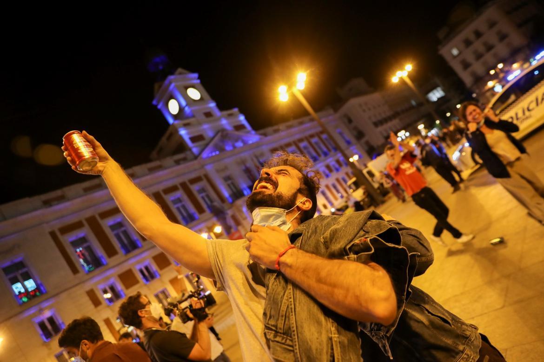 VIDEOS: Descontrol en las calles de Madrid tras el levantamiento del estado de alarma