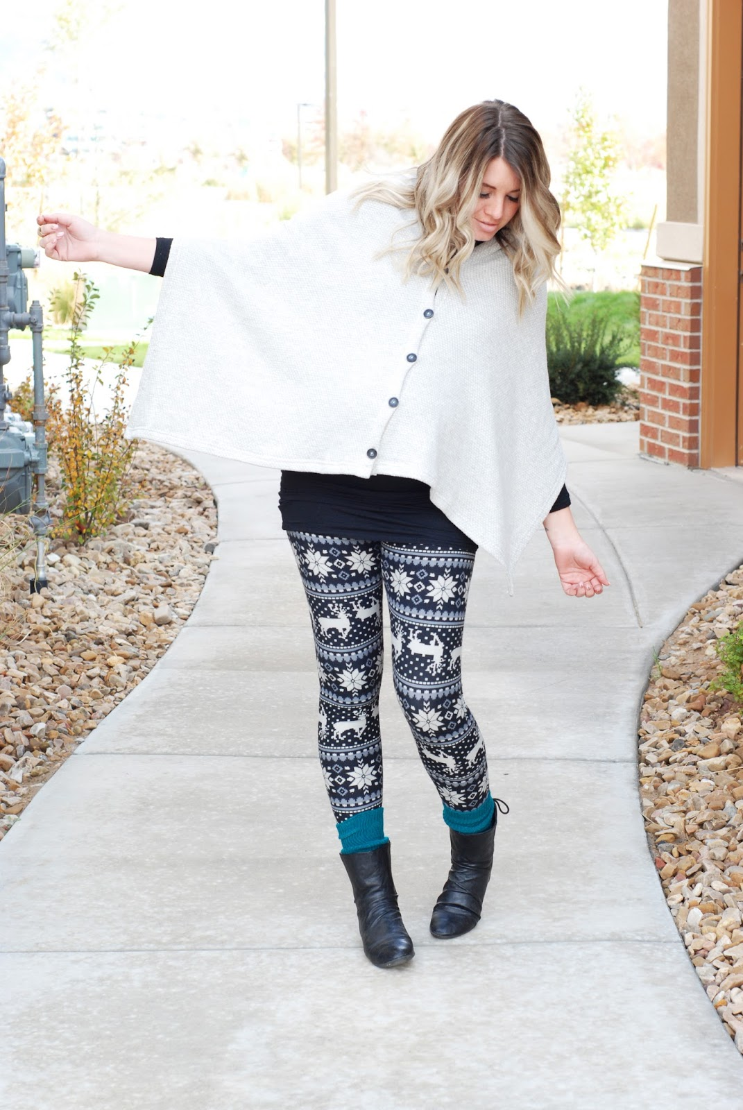 White Plum, Poncho, Evy's Tree, Utah Fashion Blogger
